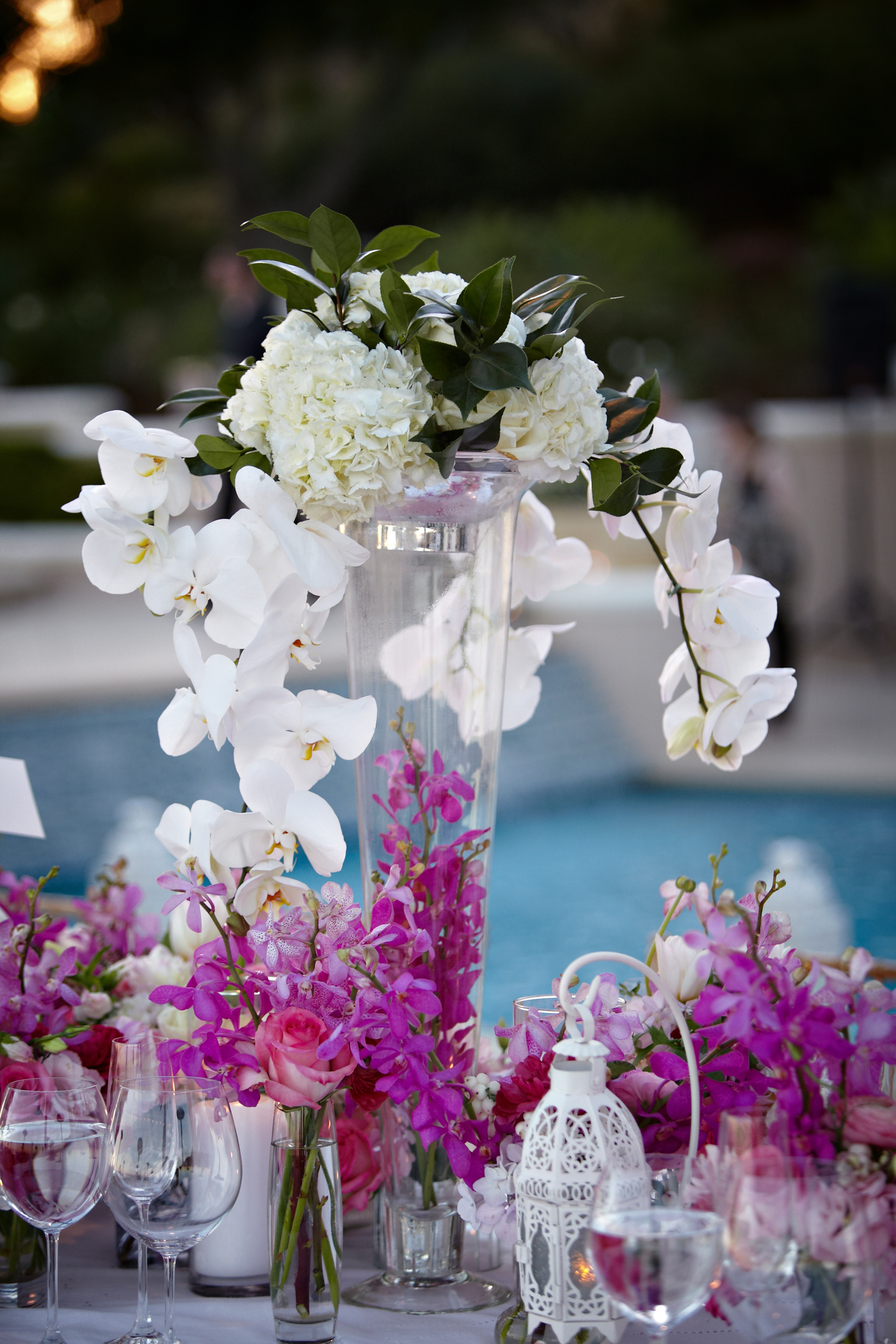 abbey-estate-wedding-orchid-decor